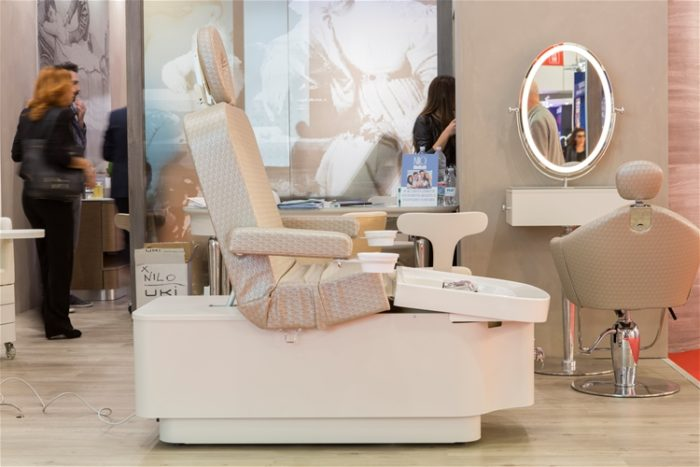 New Massage Table Bed Chair with Professional Spa bed and Massage Chair of salon furniture and equipment