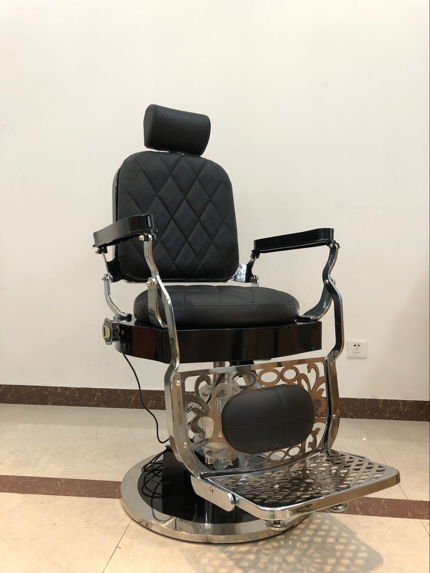 china vintage barber chair manufacturer with barber chair for sale of classical style barber chairs supplier china DS-T250
