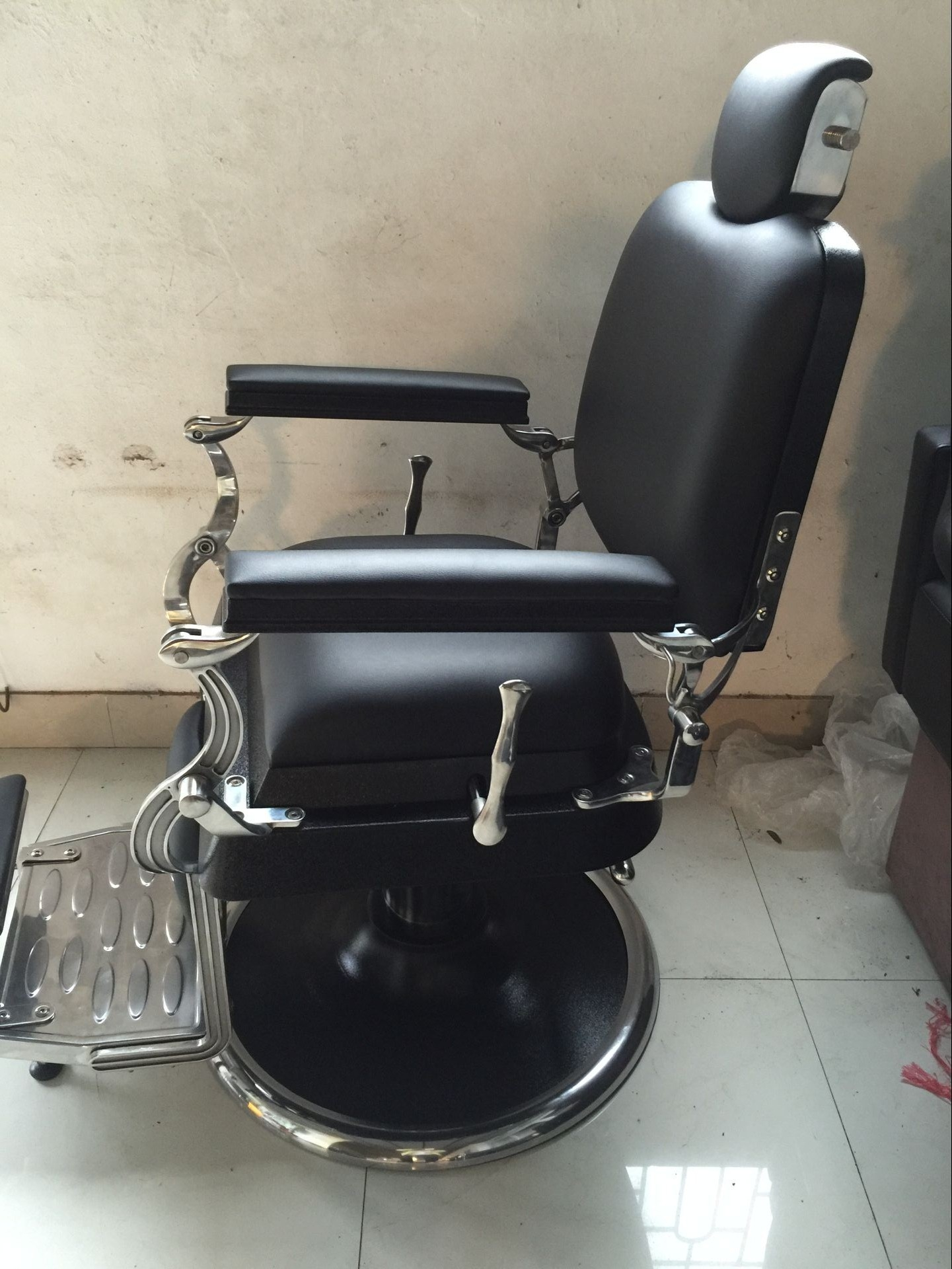 China Barber Chair Factory Barber Chair Wholesale Factory Doshower Luxury Barber Chair China Pedicure Spa Chair Manufacturer Manicure Table For